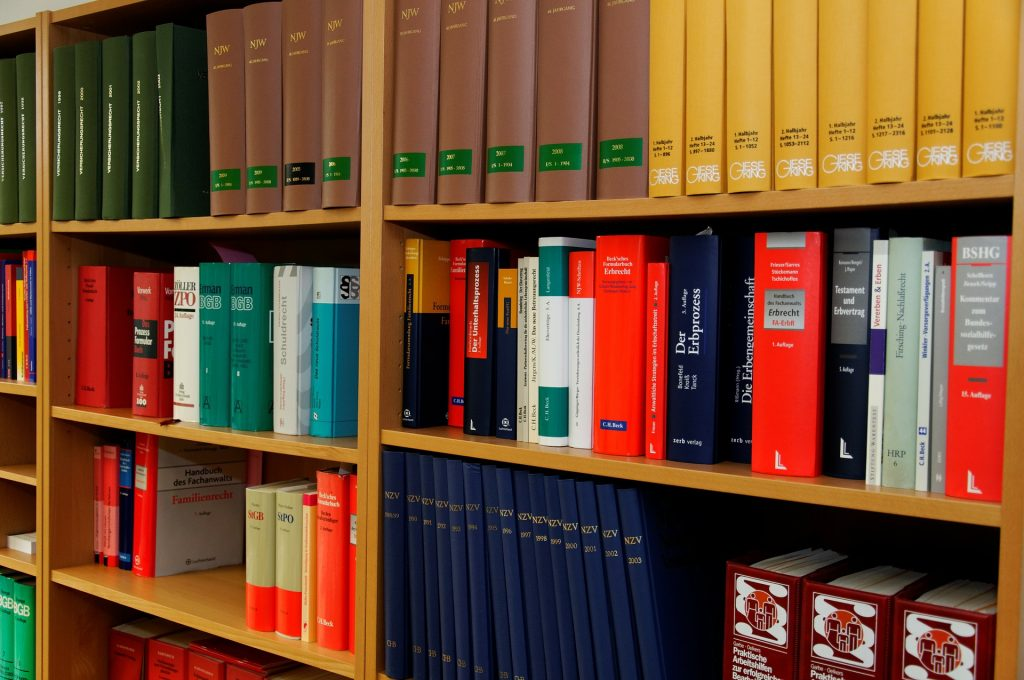 L'évolution institutionnelle de la profession d'avocat